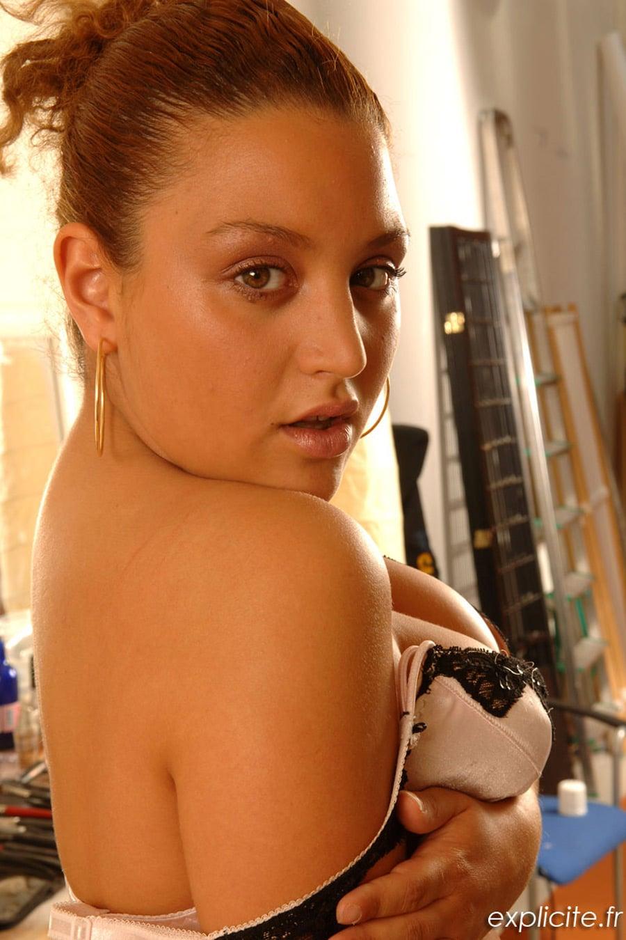 Nikita Maghrébine pulpeuse casting porno 1