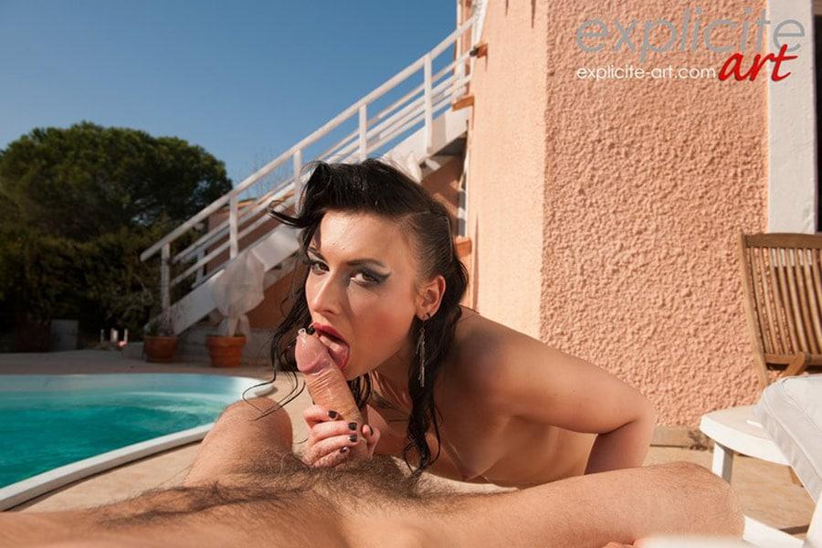 amel-annoga-baise-branlette-outdoor-expliciteart-8