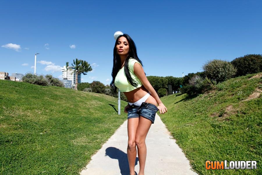 anissa-kate-beurette-sexy-cumlouder-1