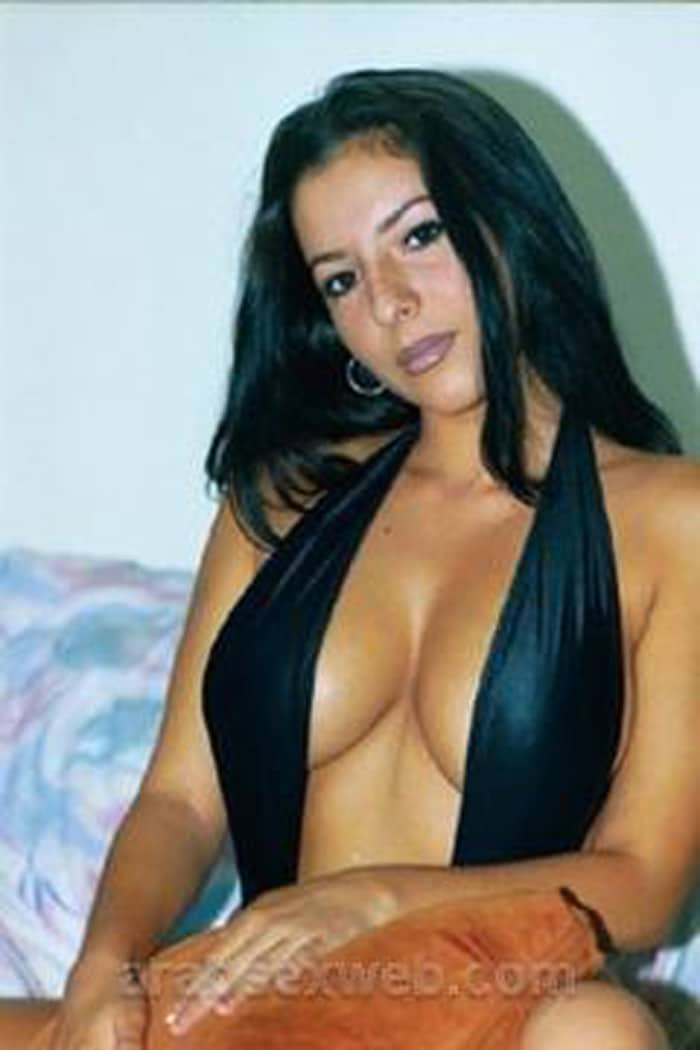Hanan, bombe sexuelle libanaise sexy aux gros seins