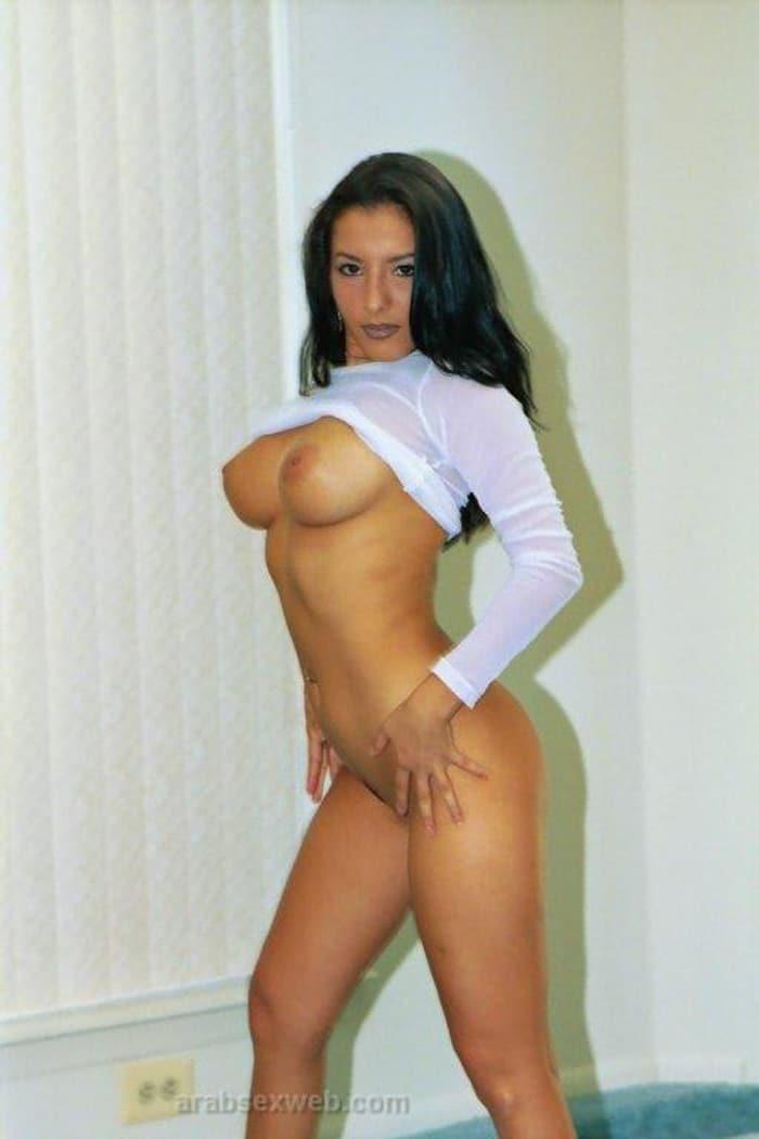 hanan-bombe-sexuelle-gros-seins-libanaise-8