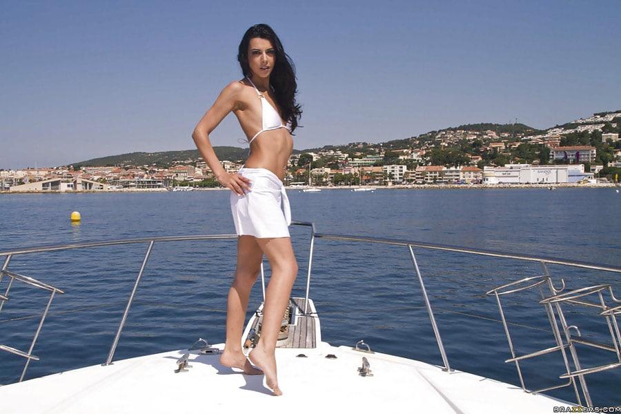 lou-charmelle-liza-del-sierra-partouze-yacht-brazzers-zz-series-2