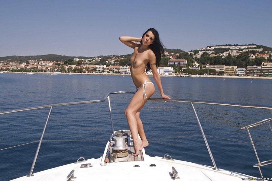 lou-charmelle-liza-del-sierra-partouze-yacht-brazzers-zz-series-4