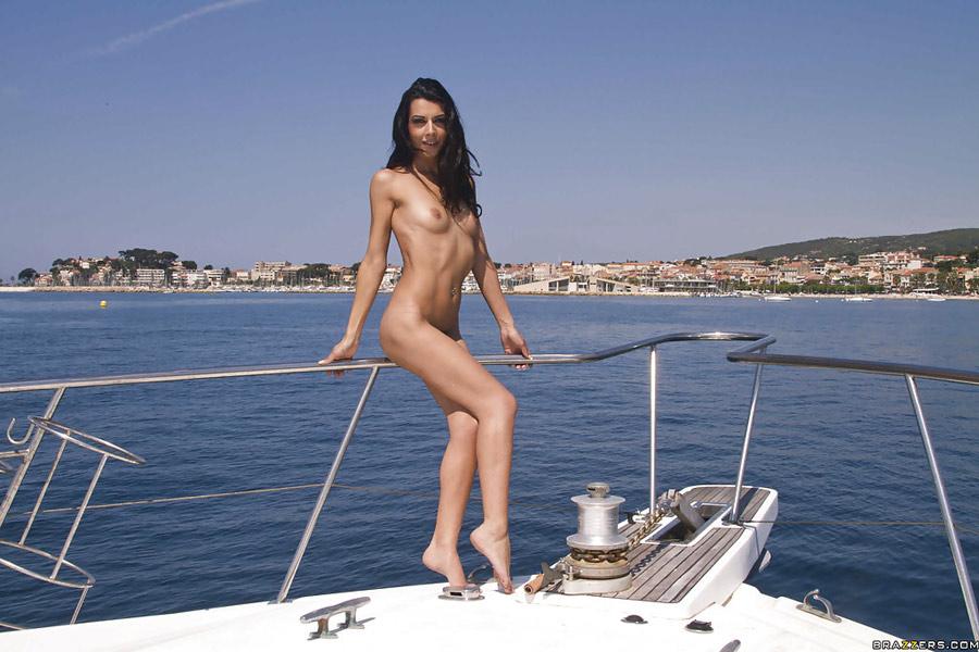 lou-charmelle-liza-del-sierra-partouze-yacht-brazzers-zz-series-8