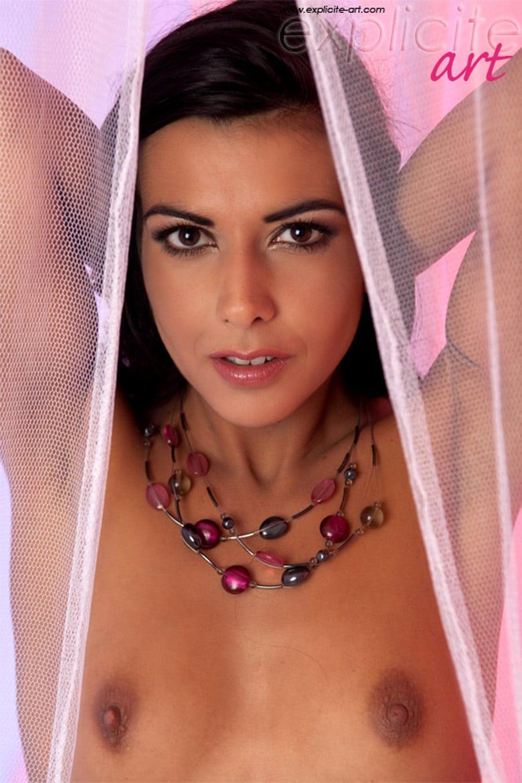 lou-charmelle-sensuelle-sexy-lingerie-expliciteart-3