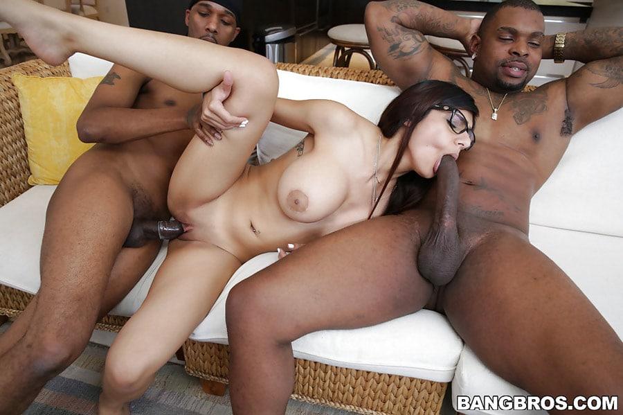 mia-khalifa-threesome-interracial-monstersofcock-22