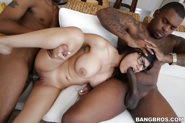 mia-khalifa-threesome-interracial-monstersofcock-23