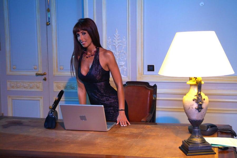 yasmine-laffite-bourgeoise-arabe-partouze-2