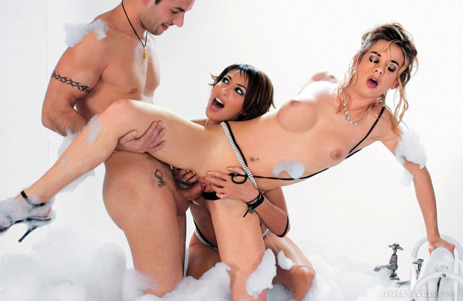 yasmine-pornstar-threesome-private-9