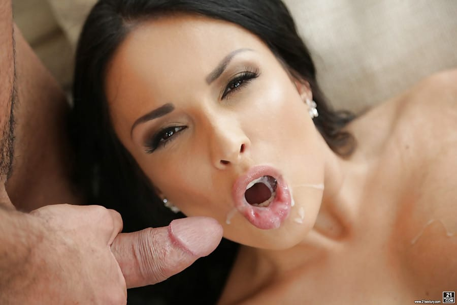 Anissa Kate threesome anal !