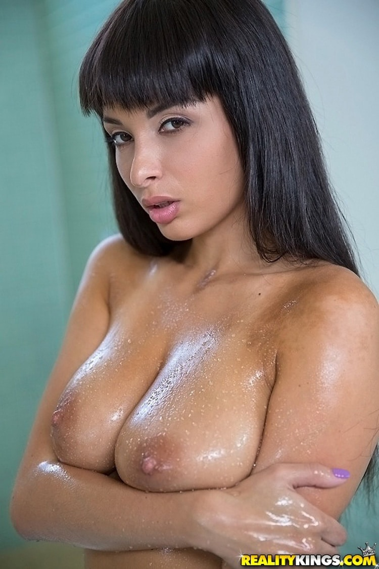 Anissa Kate gros seins naturels pipe Big Naturals 9